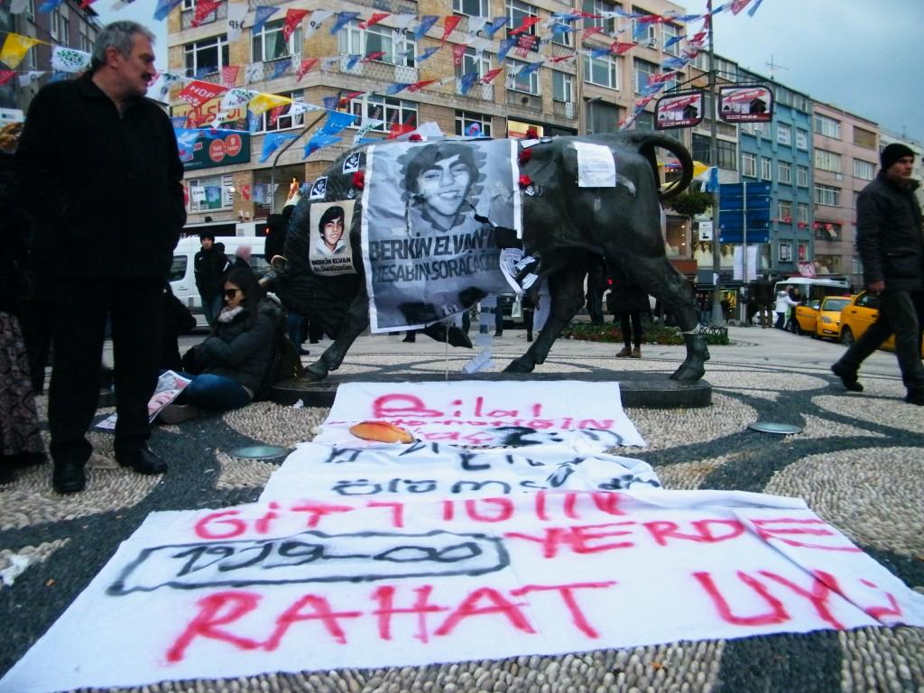 Protestas contra la muerte del joven.