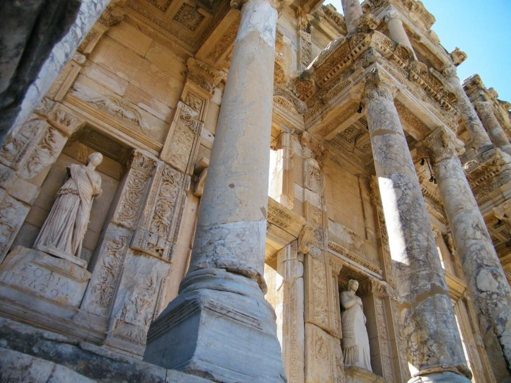 columnas en la biblioteca de Ephesus