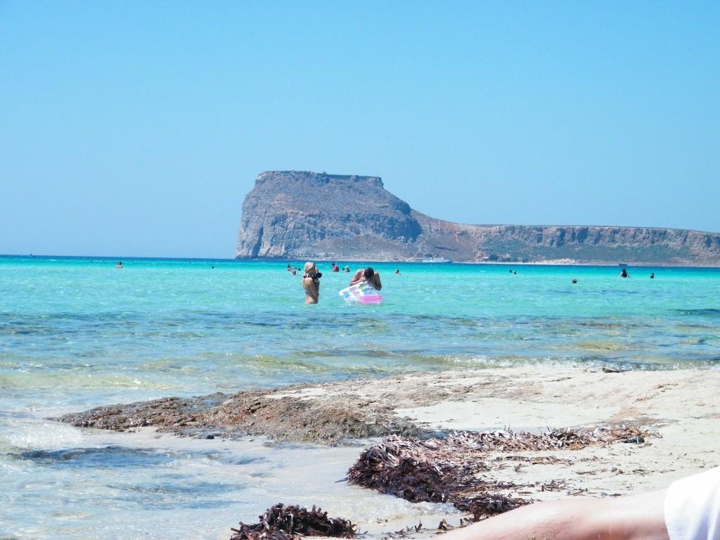 impacto de los azules en la playa ardiente de Gramvousa