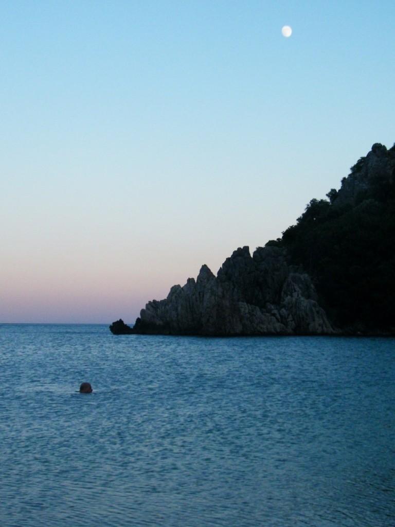 playa de Olympus al atardecer