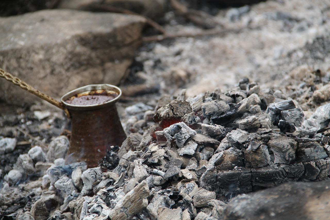 La cacerolita donde se cocina el café turco