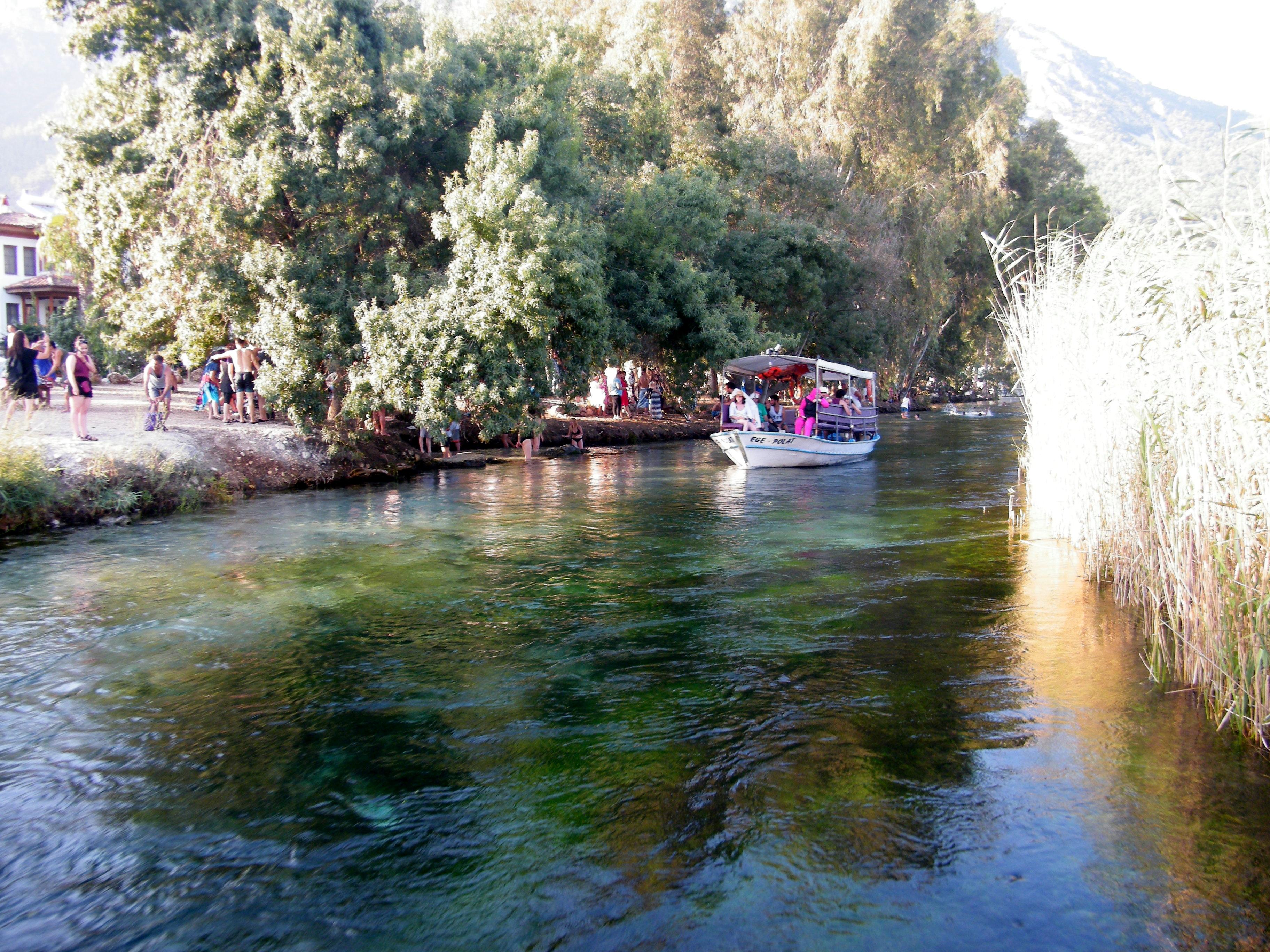 Un paseo en barco por las aguas de Akyaka en el Egeo turco /J.M Akyaka (Egeo turco).