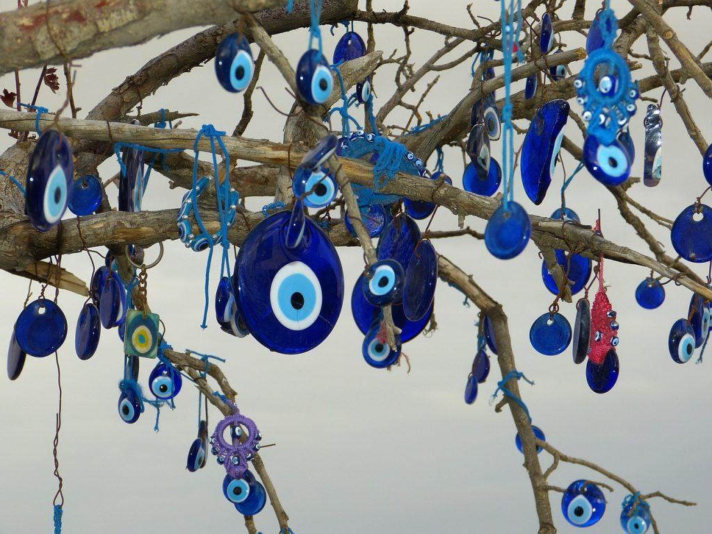 el significado de los colores en el ojo turco